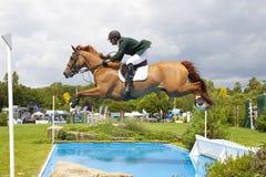 GBR :骑马Hickstead跃迁德比2011年 免版税库存照片