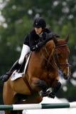 GBR :骑马Hickstead跃迁德比2011年 图库摄影