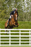 GBR: L'equites Hickstead salta il derby 2011 Fotografie Stock
