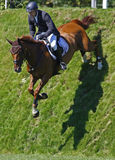 GBR: Ryttaren Hickstead hoppar derbyt 2011 Royaltyfri Fotografi
