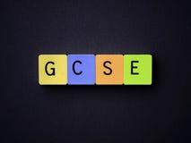 GCSE Mit Ziegeln gedeckte Buchstaben Stockfotografie