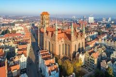"""GdaÅ """"sk,波兰 有圣玛丽大教堂的老城市 库存照片"""