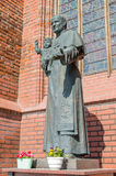 """Gdański, Polska, Kwiecień - 27, 2017: Statua pope John Paul II przy świętego Bridget kościół w GdaÅ """"sk Zdjęcia Royalty Free"""