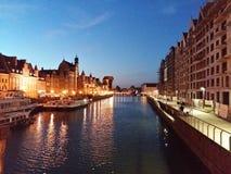 Gdansk am Abend lizenzfreie stockfotos