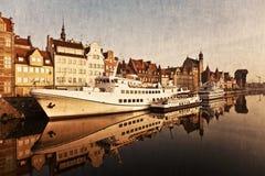 Gdansk av flodstranden i retro utformar Fotografering för Bildbyråer