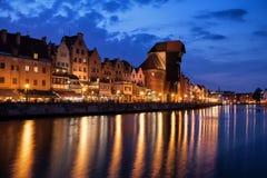 Gdansk gammal stadhorisont på natten Fotografering för Bildbyråer