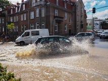 Gdansk - 15. Juli: Überschwemmte Straßen nach starkem Regen, 2016 am 1. Juli Stockbild