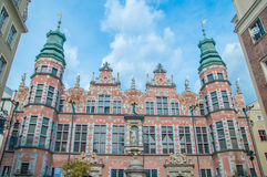 Gdansk, Polônia - 27 de abril de 2017: Grande arsenal na cidade velha de Gdansk foto de stock