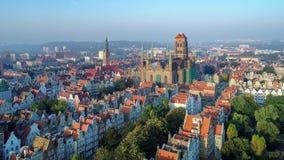 Gdansk, Poland Cidade velha com monumentos principais Vídeo aéreo filme