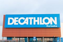 outlet butik webside for rabat pris reduceret Logo And Sign Of Decathlon Shop At Kartuska Street In Gdansk ...