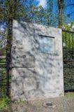 Gdansk Polen - April 18, 2017: Infromation om kyrkogården av de borttappade kyrkogårdarna Royaltyfria Foton