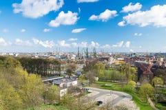 Gdansk Polen - April 18, 2017: Sikten av Gdansken från ovservationen dect på den Gradowa kullen Royaltyfri Foto