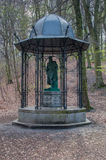 Gdansk, Polen - 27. April 2017: Statue von Johannes Gutenberg am Wald Stockbild