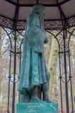 Gdansk Polen - April 27, 2017: Staty av Johannes Gutenberg på skogen Arkivbilder