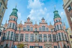 Gdansk Polen - April 27, 2017: Stor Armoury i gammal stad av Gdansk Arkivfoto