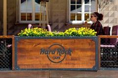 Gdansk, Polen 19 052017 - außerhalb Hard Rock Cafe - Firmenzeichen Stockfotografie