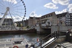 Gdansk Polen-august 25: Kaj på den Motlawa floden i Gdansk från Polen Royaltyfri Foto