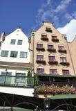 Gdansk, 25 Polen-Augustus: Oude Huizen op kade van Motlawa-rivier in Gdansk van Polen Stock Fotografie