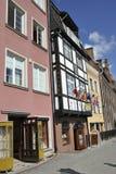 Gdansk, 25 Polen-Augustus: Oude Huizen op kade van Motlawa-rivier in Gdansk van Polen Stock Foto's