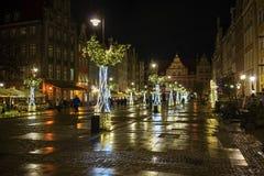 Gdansk, Polen - December 13, 2018: Kerstmisdecoratie in de oude stad van Gdansk, Polen stock foto's