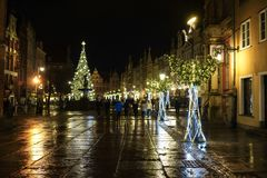 Gdansk, Polen - 13. Dezember 2018: Weihnachtsdekorationen in der alten Stadt von Gdansk, Polen lizenzfreies stockbild