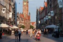 GDANSK, POLEN - JUNI 07, 2014: Mening van het stadhuis van Hoofdstad van Lange de Steegstraat van Dluga Royalty-vrije Stock Afbeeldingen
