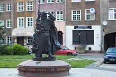 GDANSK POLEN - JUNI 07, 2014: Skulptur av Swietopelken II, hertig av Pomerania Royaltyfri Bild