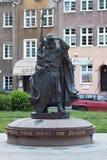 GDANSK POLEN - JUNI 07, 2014: Skulptur av Swietopelken II, hertig av Pomerania Arkivfoto