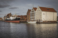 GDANSK POLEN - 13. OKTOBER 2016: Jachthafen in Motlawa-Fluss in Gd Lizenzfreie Stockfotos