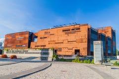 GDANSK POLEN - SEPTEMBER 1, 2016: Europeiskt solidaritetmitt, museum och arkiv i Gdansk, Pola royaltyfria bilder
