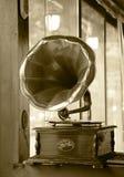 Gdy everyone oczekuje muzykę stary gramofon obraz stock