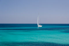 gdy tło błękitny był łódkowate łodzie mogą target188_0_ ciemne etc flaga target191_0_ hotelowi wizerunku logotypu morscy czerwoni Fotografia Stock