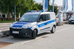 Gdynia Polen - Augusti 20, 2017: Polsk polisbil Fotografering för Bildbyråer