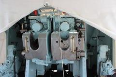 Gdynia Polen - maskinrummet av den polska jagaren för krigsskeppmuseumslagskepp arkivbilder