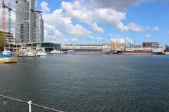 Gdynia Polen - sikt från pir i hamnstaden arkivfoton