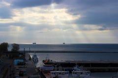 Gdynia, Polonia - vista del embarcadero por la mañana imágenes de archivo libres de regalías