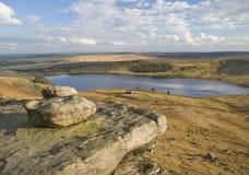 Geërodeerde keien op de heide van Yorkshire Royalty-vrije Stock Fotografie