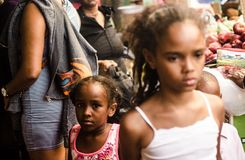 Geïsoleerd Meisje in Duarte Street, Santo Domingo-DR. Royalty-vrije Stock Afbeeldingen