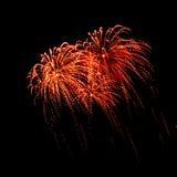Geïsoleerd mooi vuurwerk Stock Afbeeldingen