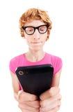 Grappige kerel die slimme telefoon met behulp van Royalty-vrije Stock Fotografie