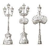 Geïsoleerd op wit De tekeningen van lampposten schets freehand royalty-vrije illustratie