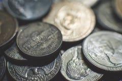 Geïsoleerde Amerikaanse muntstukkenachtergrond royalty-vrije stock foto