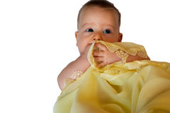 Geïsoleerde Baby in gele deken Royalty-vrije Stock Afbeelding