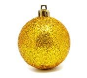 Geïsoleerde bal van Perfec de gele Kerstmis Stock Foto