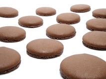 Geïsoleerde chocolade macarons Stock Afbeelding
