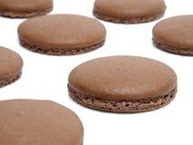 Geïsoleerde chocolade macarons Royalty-vrije Stock Fotografie