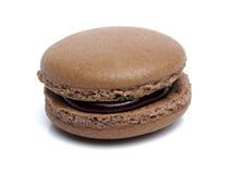 Geïsoleerde chocolade macarons Stock Fotografie