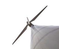 Geïsoleerde die Windturbine wordt gezien van onderaan Royalty-vrije Stock Foto's