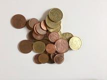 Geïsoleerde euro muntstukken Stock Foto