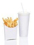Geïsoleerde frieten en soda stock afbeelding